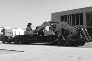 挖掘机拖车服务