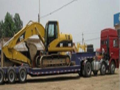 运输挖掘机