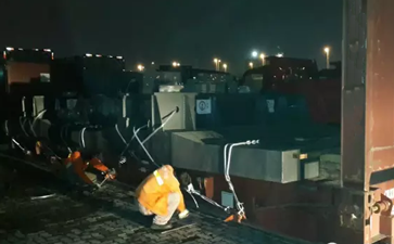 由青岛港发往菲律宾的工程机械